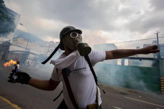 las-violentas-protestas-que-sacuden-venezuela.jpg